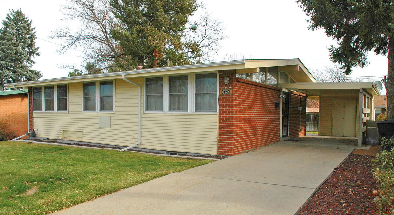 Affordable mid century modern under 225k for Mid century modern home builders